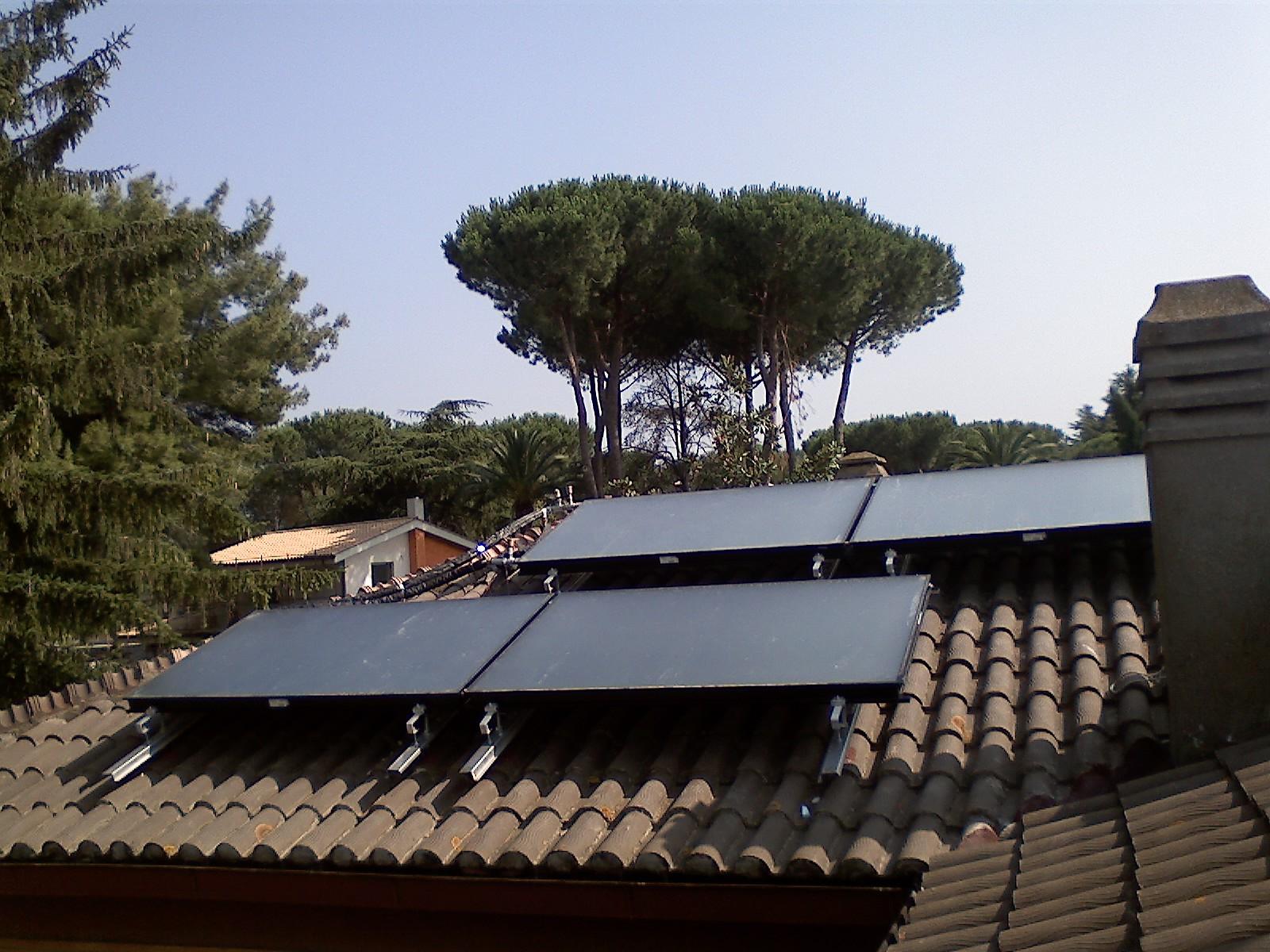 3V SERVICE I NOSTRI LAVORI Sistema solare per produzione acqua sanitaria e riscaldamento piscina